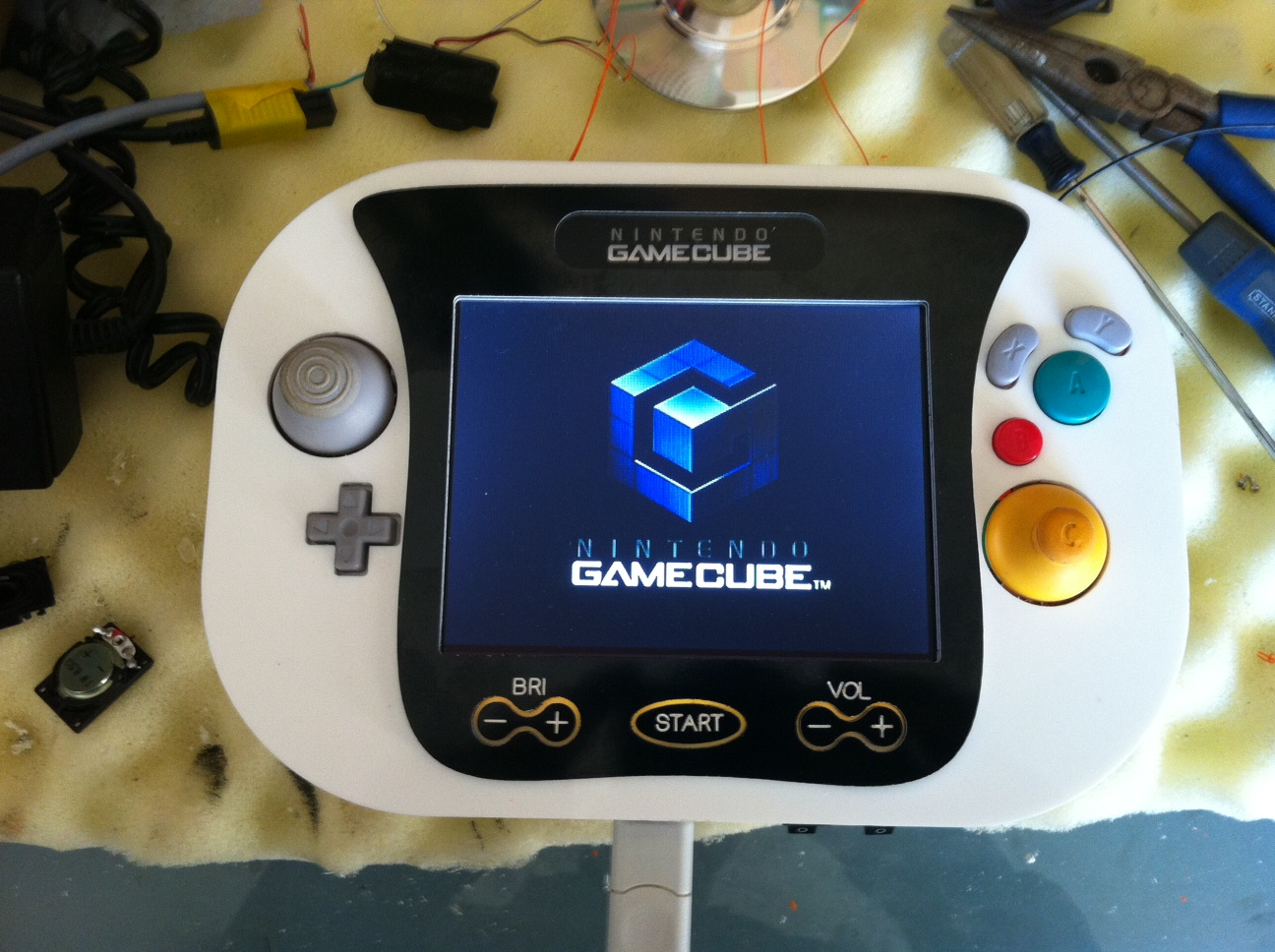 My Brief Stint With A Handheld Gamecube High Tech Monster